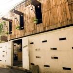 Mộc mạc với quán càphê bằng gỗ phế liệu